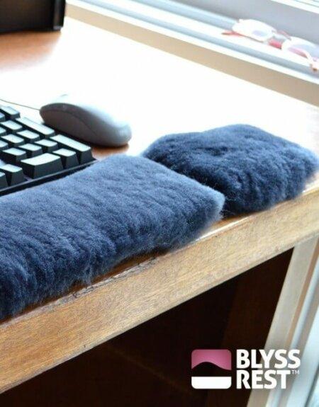 Blyss Rest Sheepskin Mouse Wristrest - regular size